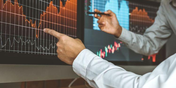 Hedge Fund Analysis: 4 Performance Metrics to Consider
