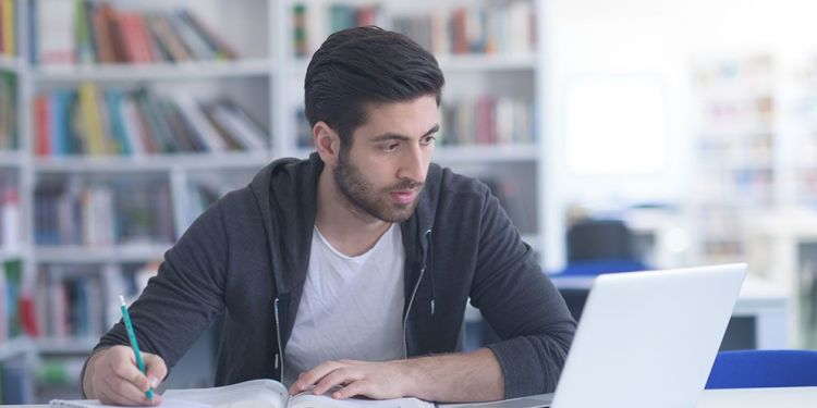 9 Tips for Taking Online Courses While Working Full-Time