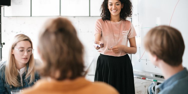 5 Key Benefits of Enrolling in a Management Training Course