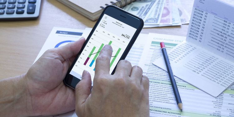 Cash Flow vs. Profit: What's the Difference?