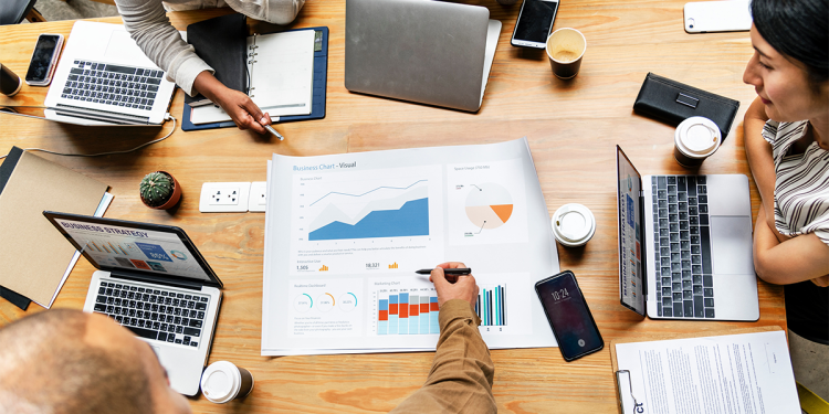 4 Examples of Business Analytics in Action